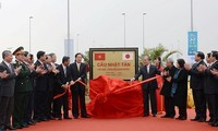 Inauguran grandes obras de comunicación en Hanoi