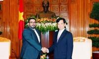 Recibe premier vietnamita a embajadores de Panamá y Bangladesh