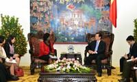 El gobierno vietnamita promete mejorar el ambiente de inversión