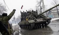 Acuerdan retiro de armas pesadas las partes del conflicto en Ucrania