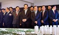 Sesiona primer ministro con autoridades capitalinas