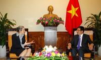 Recibe vice primer ministro vietnamita a embajadora holandesa