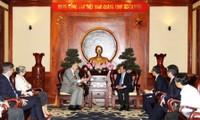 Alcalde de Rotterdam visita Ciudad Ho Chi Minh
