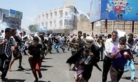 Insurgentes Houthi ocupan la tercera mayor ciudad de Yemen