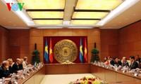 Líder parlamentario vietnamita recibe al presidente del Parlamento de Suecia