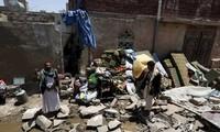 Bombardeo sobre fábrica de productos lácteos en Yemen deja 37 muertos
