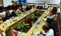Encuentro en Hanoi con pacifistas e izquierdistas estadounidenses