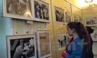 Abren exposiciones de fotografías sobre Ho Chi Minh en Argelia y Ucrania