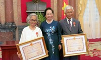 Reconoce Vietnam aportes de dos profesores de origen vietnamita al progreso de la Patria
