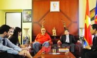 Vietnam promueve cooperación partidista con Italia