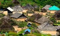 Vivienda tradicional de los Ha Nhi en la montaña Kin Chu Phìn