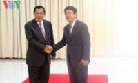 Director General de la Voz de Vietnam recibido por el primer ministro de Camboya
