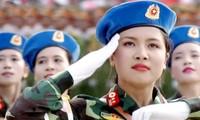 Parada militar en día patria en Hanoi
