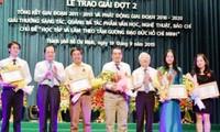Entregan premios a obras destacadas en seguir el ejemplo moral de Ho Chi Minh