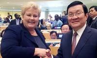 Se entrevistan dirigentes de Vietnam y Noruega