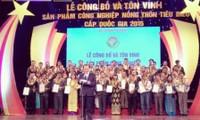 Vietnam honra cien productos destacados de industrias rurales