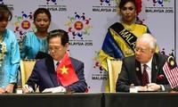 Premier vietnamita en acto de declaración del nacimiento de la comunidad ASEAN