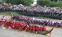 Original regata de los jemeres en la provincia vietnamita de Soc Trang