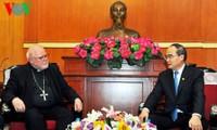 Líder del Frente Patriótico recibe al cardenal alemán