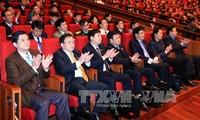 XII Congreso del Partido Comunista de Vietnam aborda plan del personal