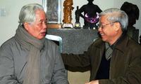 Felicitan a Do Muoi, ex secretario general del Partido Comunista de Vietnam, por sus 99 cumpleaños