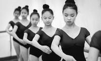 Los hermosos cisnes de la Escuela de Danza vietnamita