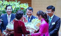 Empresariado vietnamita espera renovación del sector financiero- bancario