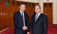 Vietnam favorece condiciones para el negocio de empresas foráneas