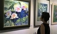 Inaugura en Hanoi la exposición de obras de arte sobre el tema de la flor de loto