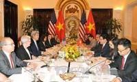 Canciller de Vietnam se reúne con secretario de Estado norteamericano