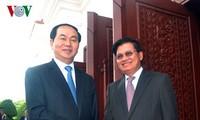 Presidente de Vietnam visita a principales dirigentes de Laos