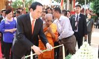 Presidente vietnamita se reúne con dignatarios budistas de Camboya