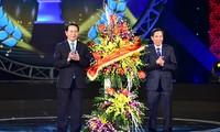 Destaca presidente vietnamita rol de la prensa en construcción y defensa de la Patria