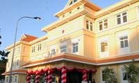 Embajadas vietnamitas en el exterior toman medidas de protección de compatriotas