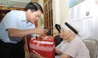 Diversas actividades para honrar inválidos y mártires de guerra en Vietnam