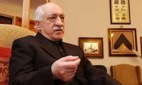 Un tribunal turco emite orden de detención contra el predicador Gülen