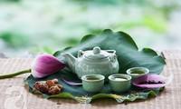 Vu Hoa Thao, conservador de marca de té de loto del Lago del Oeste