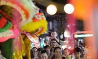 Capitalinos celebran festival del Medio Otoño 2016