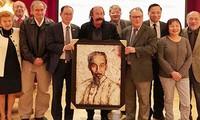 Artista francés siente admiración por presidente Ho Chi Minh