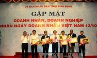 Actividades prácticas en saludo al Día del Empresario de Vietnam