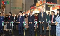 Vietnam participa en feria de la industria de alimentos en París