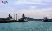 Buque de la Armada china atraca en el puerto internacional de Cam Ranh