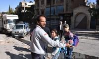 Casi un millón de sirios viven bajo asedio