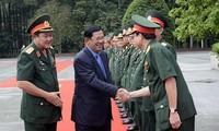 Primer ministro camboyano se reúne con ex soldados voluntarios vietnamitas