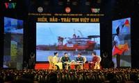 Conectan soldados marítimos vietnamitas con pobladores en tierra firme