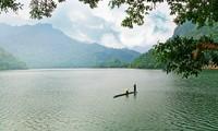 Belleza del lago de Ba Be