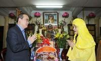 Felicitan a sectores de la población vietnamita por próximo cambio del calendario lunar