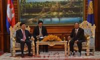 Vietnam y Camboya abogan por fomentar cooperación bilateral