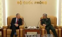 Vietnam y Estados Unidos abogan por impulsar cooperación en defensa
