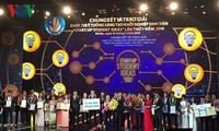 Premian proyectos destacados de emprendimiento estudiantil 2016